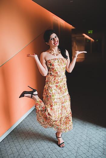 Wearing long straight as a strapless dress 👗 #StylingTips #JheelJain #Youtuber