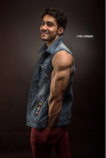 Life is simple we make it complicated own our own. #mrindia2018 #amateur #olympia #asia #champ2017 #rubarugroup #rubarumrindia2018 #audigoamrindia2018 #audigoa #fitness #fashion #model #mensphysique #aesthetic #hardwork #discipline #dedication #goals #focus #vision #jaat #proud #indian #love #peace #respect