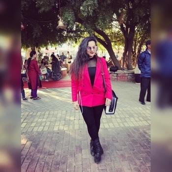 Jashn-e-Rekhta #litscenes #literaturestudent #dayone #ootd #zara #zaraindia #sheinofficial #aldoshoes