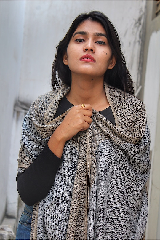 Pashmina Scarves are a small version of Blankets keeping in mind the style statement and warmness in winters to keep the body and look hot! 🔥🥰 . .  @vadhinibynidhi Introducing Pashmina Scarves for men and women 💥 . . . #fashion #scarves #pashmina #designer #jaipur #jaipurblogger #jaipurbloggers #jaipurdesigner #winterwear #winterlook #winter #fabebg #mytaste2k18 #bhukkadfam #cadrebloggers #photography #portrait #treasuremuse 💕#roposo #roposolive #roposolove @roposo #roposofashion #roposolifestyle