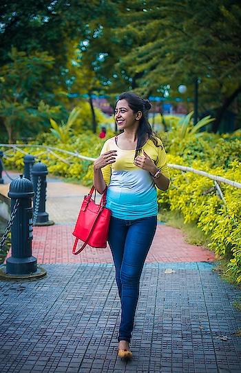 #kolkataphotographer #kolkata #kolkatagram #kolkatadiaries #youtube #indiangirl #likeforlikes #follow4like #followme #follow #fashionblogger #trending #streetstyle #minimalism #bengaliblogger #longlegs #girl #beauty #makeup #thursday #throwbackthursday #iger #ig_masterpiece