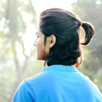 Men Long hairs goals should be like this always !  #men-fashion #menhair #menhairstyle #fashioninspiration #internationalfashion #hairgoals #longhair #classymen #mensxp #trendy #trendyindian #trend-alert  #international