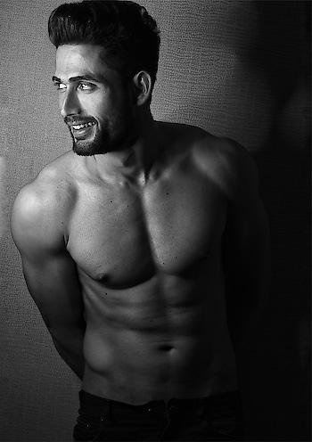 Pain is temporary pride is forever. . . 📸@rishabhrishikumar . . . #1#ranakshrana#actor#model#fit