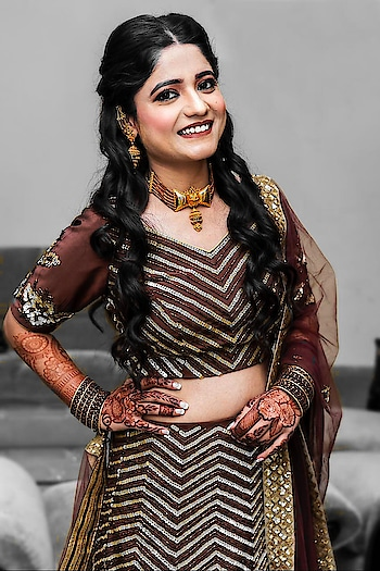 """""""ROKA"""" The first step towards marriage 👫 The gorgeous Roka Bride 👰  Let me know in the comment section below how do you find this look. 👇🏼👇🏼 📸: @kavishagupta   #makeuptutorial #makeup #makeupartist #makeupart #makeupph #makeupreview #makeuptips #likesforlikes #makeuplook #l4l #makeupblogger #beautiful #likeforlike #ilovemakeup #makeuplover #makeupaddict #makeupgeek #makeupjunkie #makeupobsessed #makeupaddiction #tlter #makeupporn #makeupmafia #makeupdolls #mua #makeupbyme #makeupforever #beautymakeup"""