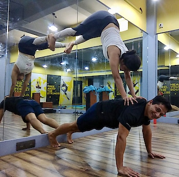 And the posing continues 😘😘😘 when u start enjoying what u do it becomes more n more easy n u become better n better in it. Loving it ❤️❤️❤️ @divyakarnani08 @divyakarnani10 @bhumika_g7 @vinsin007 #yoga #yogachallenge #yogainspiration #yogafit #yogalife #yogapose #yogaposes #yogapartners #fitlife #fitnessmotivation #healthy #fun #lovewhatudo