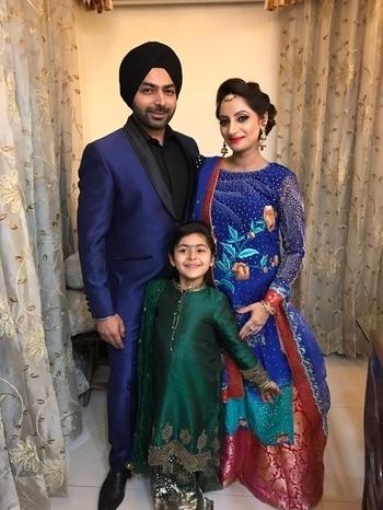 My 🌎 in a picture ❤️#familygoals #daughter #mybetterhalf #indianwear #indianfashion #banarsi #parsiwork #maangtikka #jadau #jewellery #wedding #indianwedings