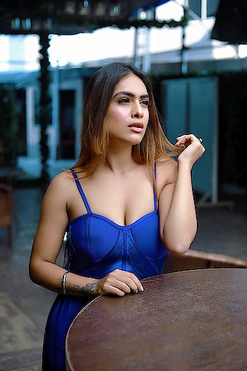 You can impress from a Distance but you can only Impact up Close 🥰♥️ : Beautiful blue outfit from @inclosetbypooja 🥰 must follow n chk our their amazing collection 🥰 : #feelingblue #blue is #beautiful #myfav #mylove #boldandbeautiful #bossbabe #beauty #blueoutfit #bluedress #style #fashion #fashionblogger #fashionista #styleblogger #fashionstyle #sexy #lit #moodygrams #mood #goodvibesonly #nehamalik #instagood #instagram  : Photography @horilhumad  Mua @makeupbyvaish