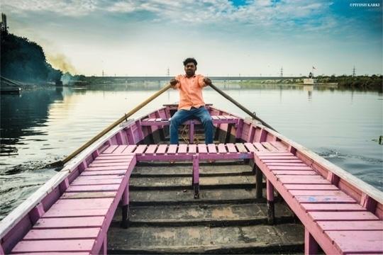 THE-SAILOR #sailor #yamuna #ghat #delhi #delhite #delhigram #clouds #sky #blue #river #mandir #boat #pink #travel #traveller #travelling #photography #photographer #view #metro #bridge  18mm/ƒ/3.5/1/500s/ISO 125  #hitlikeifyoulike #piyushphotography #travel #explore #discover https://www.facebook.com/Piyush-photography-451024605102802/