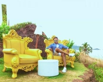 While first benchers were struggling for job, last benchers started hiring.😉 . . . . #globetrotter #luxuryliving #luxurylifestyle #fashionblogger #beachlife #dappermen #swagger #luxurybrand #fitfam #beardedmen #menwithclass #sneakerhead #l4l #ropo-love #sexymen #styleblogger #entrepreneurlifestyle #hustle #motivationalquotes #quotestoliveby #success #inspirationalquotes #beachwear #gentleman #travelblogger #luxurytravel #fitspiration #roposoblogger #soroposo