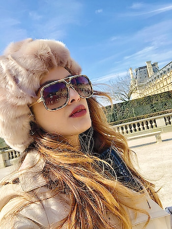 Paris City Tour In Paris Style 😍😍 : #paris #pariscity #pariscitytour #parisdiaries #parisfashion #style #parisstyle #newlook #lookbook #parisfrance #citytour #travelgirl #travelblogger #traveldiaries #travelgram #travelgoals #luxury #luxurytravel #furry #love #travelandleisure #europetripwithnehamalik #pariswithnehamalik #instatravel #instagood