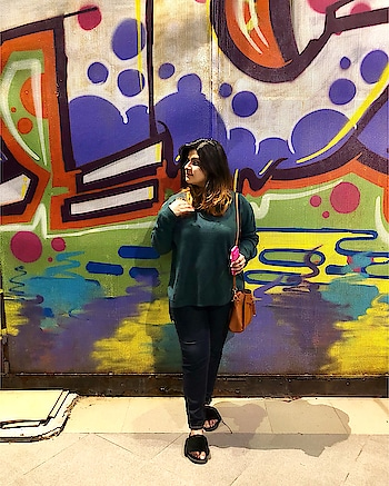 Check out this colourful wall ✨ #thebgwardrobe #soroposo #roposoblogger #bangaloreblogger  #ootd #fashionblogger