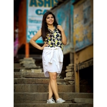 Tb to the shoot day in Varanasi. ❤️ Do you want me to post diy ideas to wear your old boring clothes ? . . . . . 📸 @mohit.___  #fashionist #fashion #fashionblog #fashionblogger #LucknowBlogger #indianfashionblogger #indianblogger #diy #skirt #streets #streetstyle #streetfashion #streetstylefashion #streetstyleblogger #thatbohogirlfeatures #thewinsomesoul