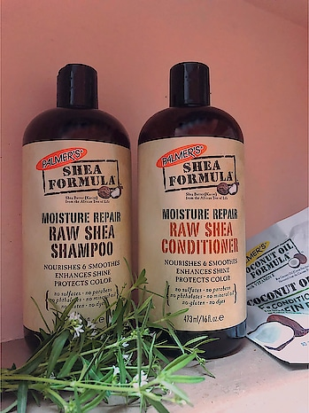 @palmersme moisture repair raw shea shampoo🧴- Rich moisturizing shampoo which is specially formulated to nourish and repair dry, damaged hair.  It is infused with essential moisturisers to de- frizz, smooth & soften your hair.  Free from sulfates, parabens, phthalates, dyes & mineral oil. Gentle enough everyday use ✨  Moisture repair raw shea conditioner - This nourishing daily conditioner continuously hydrates as it delivers a rich blend of raw shea butter, argan oil, grape seed oil, coconut oil & vitamin E to nourish and repair dry, damaged hair ✨ #ropo-beauty #haircaretips