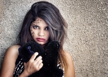 When witches go riding, and black cats are seen, the moon laughs and whispers it's near  HALLOWEEN 🎃 . . . . . . . . . . . . . . . . #halloweencostume #halloweenmakeup #halloween2017 #makeupandhairdo #blackcats #blackcatsofinstagram #halloweekend #fusionbelle #fashionblogger #bloggerfashion #ahmedabadblogger #walkingdead #scooptub