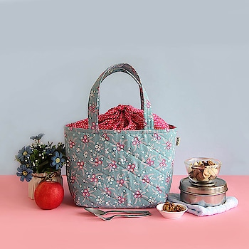 This #bag is the king of #versatility when it comes to what bags can carry! Be it grocery #shopping or your #lunch, it does the job just fine!  Online shop - www.spruceindia.com  #multipurpose  #lunchbag #handbag #bag #musthaves #essentials #madeinindia #spruce #spruceindia #onlineshop #shoponline