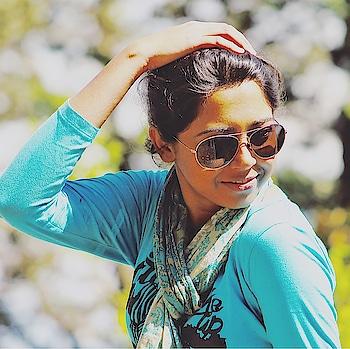 Sun Kissed Candid!! 📸 @koyelb  #friends #friendship #throwback #majorthrowback #weekend #sunday #trekking #candid #kolkatagram #kolkatablogger #instagram #instablogger #instagood #picoftheday #soroposo #sayantiguha #travel