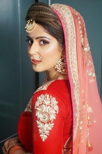 It's in the eyes,  always the eyes. ❤️ . . . Makeup by @redfox.academy 💄 . . . #stylevirgo #bridal #bridalmakeup #indianbride #wedding #indianwedding #red #fashionblogger #indianblogger #lookoftheday #makeup #mua #eyemakeup #indianweddings #beautyblogger #beauty #india #delhi #lips #motd #delhiblogger #makeupartist #instagram #instadaily #fashionista #instabeauty #fashionpost #canon #nikon #photoshoot