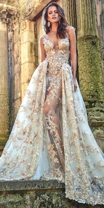 #offwhite #golden  #goldenglitter  #messyhair  #weddinggown #floraldress