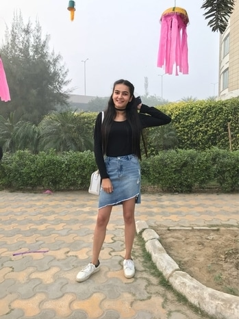 #roposotalenthunt #soroposo #roposotalks #outfit #fashion #youtuber #delhiyoutuber #indianyoutuber #influencer #skirt #denimskirt #denim #ootd #streetstyle #new