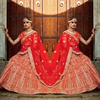 Red Mastani Silk Bridal Wear Lehenga Product code - FCL520 Available at www.fashionclozet.com  Watsapp - +91 9930777376 Email -  info@fashionclozet.com Or DM for enquiries.  #bridetobe #bridetips #fashionclozet #bride #bridalfashion #weddingtrends #fashion #weddingplanning #weddingreception #weddinglook #weddinglove #bridalhairstyle #bridalhairstylist #hairstylist #celebrityhairstylist #mua #bridalmua #celebritymua #brideandgroom #dulhan #dulhanfashion #nikah #anandkaraj #dreamcometrue #weddingphotography #fashionista #capedress #indianbride