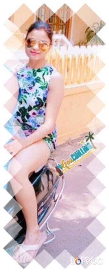#shortdress                                           #nomakeupneeded                                #mirrorsunglasses                                  #stylishhh  #goachilling
