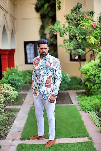 Prints 🕺🏻 . . . . . .  #gentleman #traditionalwear #festivalfashion #suitup #suitstyle #accessories #brandshoot #fitnesspro #leangain #RubaruGroup #RubaruMisterIndia2018 #MrIndia2018 #MrIndia  #RubaruMisterIndiaNationalUniverse2018 #MisterNationalUniverseIndia2018  #mnu2018 #internationalpageant #fashionmagazine #mensfashion #menstyle #style #Fashion #Fitness #fitnessmodel #fashionmodel #modelling  #fashionphotography #magazine #fashionista #farhanqureshi @misternationaluniverse @rubarumisterindia