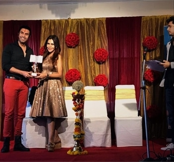 The #prestigious @mapfestival2017 MAP (#music #art and #poetry ) #festival ... #honoured me with the '#master of #dance' #award 🥇 ... glad to receive the same by the hands of my dear #friend #columnist and Art n #luxury #collector @nishajamvwal @nishajamvwaluxury ...   The award followed an interesting #talk abt how 'Dance is an #important part of our #lives '...   Thk u MAP festival for this honour.. I feel truly #humbled .. #dancer #ballroomdance #latindance #awardshow #awardceremony #instalikes #lovelife #dancerslife #thankyougod