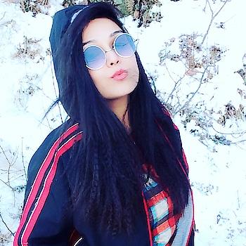 #himalayas #mountainlove #mountaingirl #dhanaulti #uttrakhand_diaries #dehradundiaries #snowfall #biking #wanderer