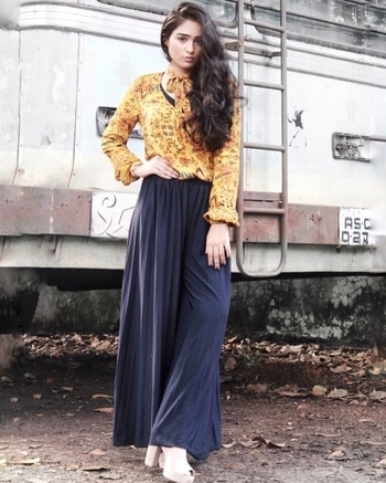New post on autumn in my blog// Check it out at www.thewhimsybrunette.com  #ootd #outfitideas #whatiwore #styling #palazzo #autumn #fall #photooftheday #style #blogger #fashion #fashionblogger #fashionbloggerindia #indianblogger