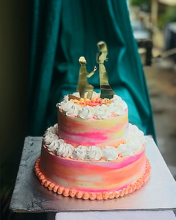 Vanilla velvet fresh fruit cake with neon shades. The blend of blueberry cream with fresh pineapple 🍍, cherries 🍒 and dry cranberries. The perfect monsoon engagement cake. #freshfruitcake #neoncake #shadedcake #engagementcakes #instacake #crumbsncream #fortheloveofcake