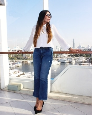 Casual weekend look #jeans #ootd  #outfitideas #todaysoutfit #picofday  #dubaipr #dubailife #dubaistyle #dubaifashion #uaeblogger #dubaifashionblogger #dubaifashionbloggers #instadubai #dubaiblogger #mairasimplelife #dubaidiaries #fashioninspo #whatiwore  #fashionaddict #outfitinspo#dubaifashionista#middleeastblogger#dubaistreetstyle#dubaistyle#adstreetstyle  #prettylittleiiinspo #streetstyle  #fashionblogger #styleblogger #stylediaries