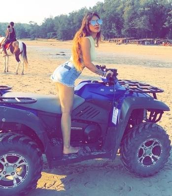 Ride time 🙌😋😋 : #beachbike #ride #ridefun #happiness #sea #seaside #beachday #beachbabe #sealover #beachlove #beachbikeride #rideordiechick #randomclick #snapchat #loveposing #sexy #hot #poser #summersun #summertime #sunandsand #summerstyle #fashiongram #nehamalik #model #actor #blogger #xoxo