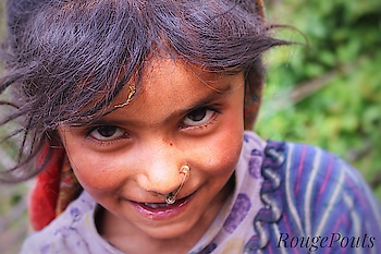 ✨Beauty can't be defined, it can only be seen or felt!! ✨ I met this girl on our first day of the trek in the village Wan and she caught my eye instantly!! Everything about her was so unique yet beautiful!!  And do you notice anything strange?? 😉 Let me know in the comments what it is!  #roopkundtrek #portrait #travelphotography #beauty #gurgaonblogger