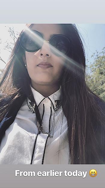|| Too much monochrome? ✔️🖤☺️ . . #howilikeit #howilikeitjournal  #geetikasehgal #fashion #fashionblogger #blogger #indianfashionblogger #indianblogger  #delhiblogger #fashionpost #monochrome #monochromeoutfit #roundframeglasses #roundframes #roundframesunglasses #sunglasses #whiteshirt #monochromepost #blackandwhite #monochromeobsession #black #white