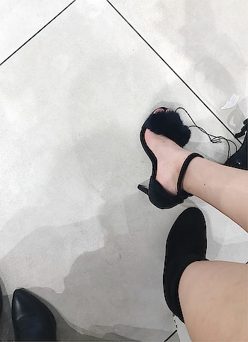 ♥️♥️ #heels #high-heels #black #feet #forever21 #ropo-love #ropo-style #ropo-good #roposogal #roposo-style #sunset #love #friends