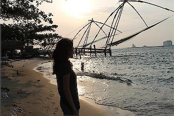 || Major Throwback to Kerala 💛 . . #howilikeit #howilikeitjournal #fashion #blogger #fashionblogger #kerala #lifestyleblogger #lifestyle #keralabackwaters #throwback