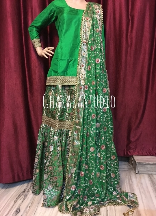 Kamkhwab Gharara in green with zari embroidery dupatta.  👉WhatsApp at 9971865919 to order  #Gharara #ghararastudio #ghararastudiobyshazia #ghararadesign #ghararah #ghararafashion #ghararalove #ghararadesign #bridal #bride #wedding #weddingdress #weddings #nikah #fashion #fashionblogger #fashionstylist #fashiongram #fashionblog #blog #indianfashionblogger #indianfashion #indianstylist #indiandress #indiantradition #instafashion #buyghararaonline