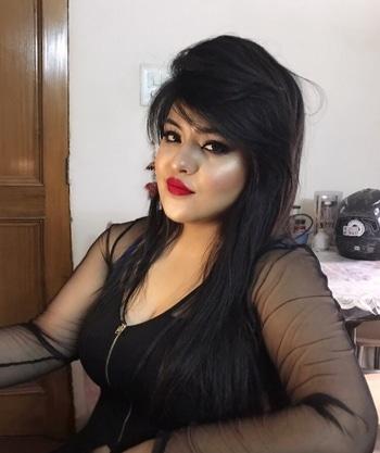 Glow level: blinding 😎- Nikita Makeup Bliss❤️ #glow #highlighter #nikitamakeupbliss #nikitamakeupartist #makeup #glam #mua #makeupartistdelhi #makeupartistindia #makeupartistdehradun #bridalmakeup #bridalmakeupartist #bridalmakeupartistindia #makeupaddict #makeuplove