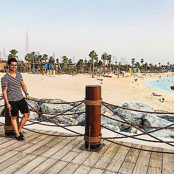 One of the best beaches i have been through !! #beach #water #marina #sea #sand #sun #sunset #sky #blue #fashion #bershka #tshirt #fit #fitness #nike #model #travel #traveller #vacation #dxb #dxblife #roposo #roposobeach #mensoroposo #roposodiaries #instamoment #lamer #dubai #uae #sajansinghrawat