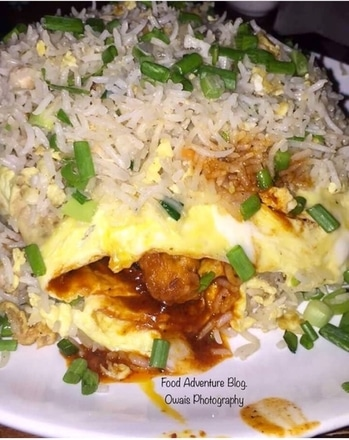 Layered Special #FriedRice with #egg and Chilli #Chicken in between. #Chinese  Check out the complete review on my #FoodBlog- The #Food Adventure at: www.foodadventureindia.wordpress.com  #FoodBlogger #Lunch #Dinner #Foodie #Foodpics #restaurant #BangaloreFoodie #Zomato #Delicious #SoBangalore #foodofbengaluru #foodtalkbangalore #FBAB #Bangalorefoodjunkies  #IndianFoodiesSquad #foodtalkindia #yummy #foodphotography #spoontalesbangalore #trellingfood