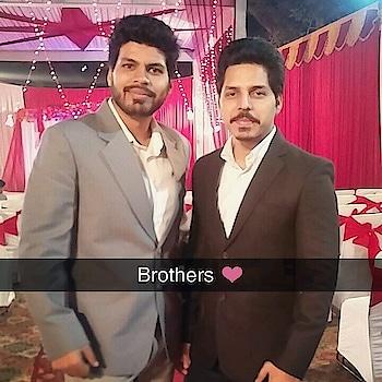 Brothers ❤ Join me on snapchat @aamirmudassir Join me on #Instagram #Snapchat #Twitter #Roposo @AamirMudassir #Facebook @AamirVlogger #YouTube (The Liberal Indian)  #AamirMudassir #YouTuber #DelhiYoutuber #Viner #Prankster #Entertainer #TheLiberalIndian #TLI #AamirVlogger #FitAamirKhanVlogs #indianyoutuber #youtubeindia #ytcreatorsindia  @zara @zaraindiaofficial #siblings  #siblinglove  #family  #fam