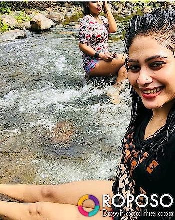 #wetnwild #wethairlook #wethairlook #river #masti #blacktop #redwhite #shorts #sexylegs #sexyfigure #selfie #hotpose #fashionstyleandtravelcloset