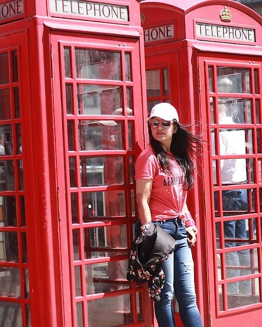 I decide my vibe: wanderlust & city dust ✨❤❣ ______________________________________ 👕👖👓👒 London street look: @aeropostale . . . . #fashionblogger #yournextpick #aeropostaleindia #aeropostale #streetstyle #streetwear  #londonfashion #photooftheday #lookbook  #fashionista #indianfashionblogger #londonstreets #delhifashionblogger #delhibloggergirl #soroposo #roposo-style #roposolove #roposoblogger