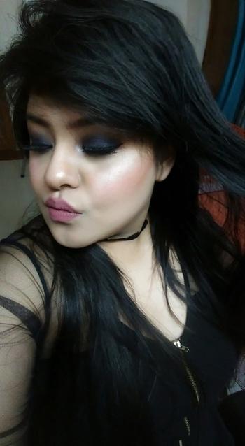 Bedroom Smokeyeyes.. 😍 my go-to look ❤ #smokeyeyes #smokyeyes #smokyeyemakeup #datenight #bedroomeyes #glowgame #highlighters #maryloumanizer #countour #countouring #wispies #wispielashes #bridalmakeup #makeup #makeupartist #makeupartistdelhi #makeupartistdehradoon  #makeuplove #nikitamakeupartistry #nikitamakeupartist #mua #nikitamakeovers #tags #tagsforlikes #likeforlike #roposolove #nykaa #nykaabeauty