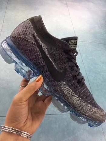 😵😵Nike vapormax😵😵 Sizes 6-10  2900+1.5 kg Ship Box extra Pre-booking For order whatsapp me  7289849841