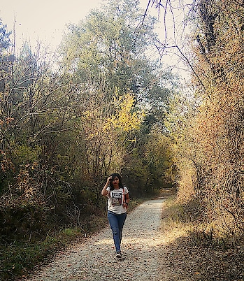 The hardest walk is walking alone, But it's also the walk that makes you the  strongest.... #traveldiaries #motherdaughtertrip #motherdaughter #kashmir #wayofliving #beauty #nature #travel #tour #lifeisstrange