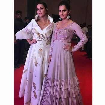 #Repost @fitlookmagazine  ・・・ The two gorgeous ladies @nehadhupia & @mirzasaniar all dressed up for @wta finals evening !! ✨. . #fitlookmagazine #fitlook #fitlookfam #wta #hyderabad #partytime #tennis #bollywood #stylelife #saniamirza #nehadhupia