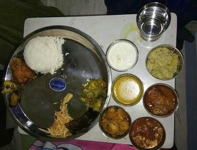 Baby Shower Bengali Cuisine Plate cooked by Maa #Mom  1.Potato Fry 2.curliflower fry 3.Eggplant Fry 4.Herbs Fry 5.Fish Fry 6.Daal 7.Fish curry 8.Aaloo posto 9.Aaloo curliflower 10.#tomato Chutney 11.Jaggery sweet curd 12. Rice 13. Jeffery Rasgulla 14. Bengali Mix Veg 15. Payesh #babyshower  #bengalifood  #bengalicuisine  #cuisine  #indiancuisine  #foodphotography  #foodiesofindia  #foodporn  #foodlover  #homemadefood  #roposofood #foodblogger  #food