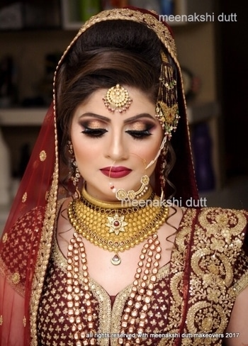 #bridalmakeup #bestmakeupartistindelhi #meenakshidutt #meenakshiduttmakeoversdelhi #muslimbride #walima #prettybride #salon # Hi! you can call us between 11.30am to 7pm for details, we are at Club Road, Punjabi Bagh and Shivalik main road, near Panchsheel Park South Delhi at : 9560704164 ,08826963239 or 01147563972 ,01147563973, 01141755112, 01141755111 #LookOfTheDay