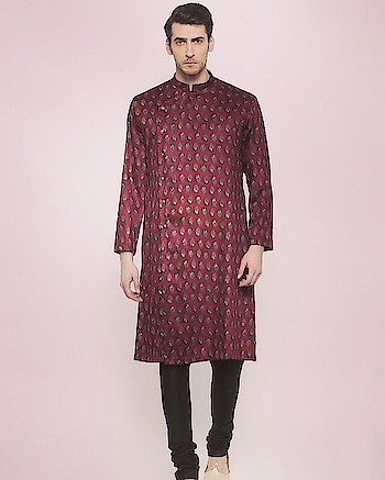 Block print on #handloom cotton gives an #ethnic yet #modern look to this kurta and churidar by Mayank Modi : https://www.indiancultr.com/new-arrivals/be-your-own-man-by-mayank-modi?trk=hmpg-slider #menswear #dapper #mensfashion #India #IncredibleIndia #wow #amazing #artisan #want #neednow #inspiration #Indian #traditional #makeinindia #instalike #instadaily #photooftheday #follow #repost #awesome #style #shoppingonline #designer